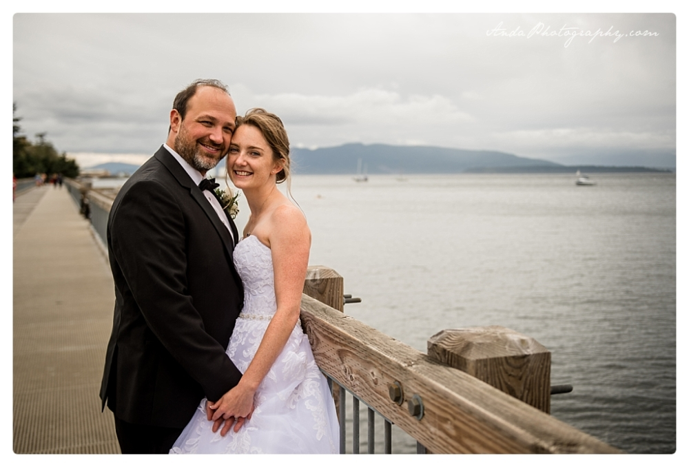 Anda Photography Bellingham wedding photographer Bellingham Yacht Club Wedding lifestyle wedding photographer Seattle Wedding Photographer_0058