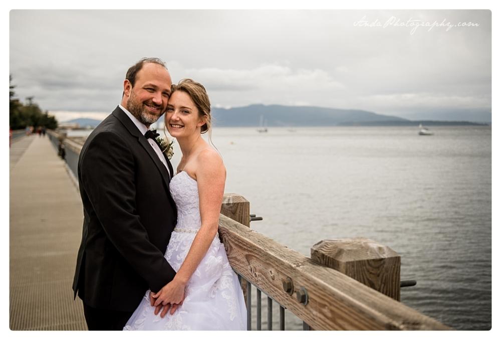 Anda Photography Bellingham wedding photographer Bellingham Yacht Club Wedding lifestyle wedding photographer Seattle Wedding Photographer_0058