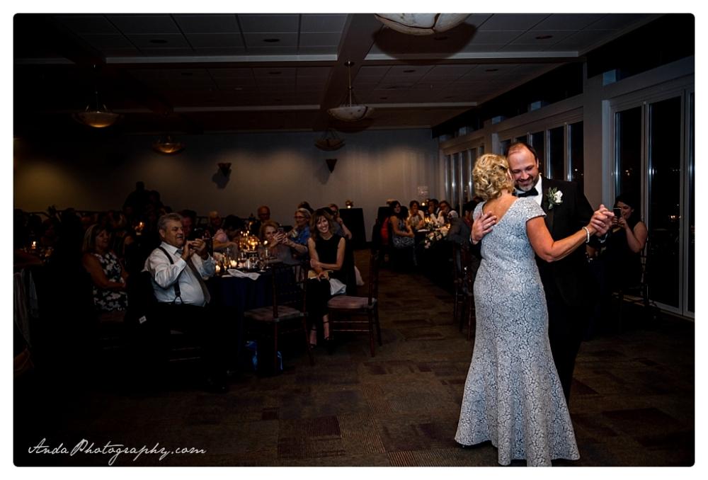 Anda Photography Bellingham wedding photographer Bellingham Yacht Club Wedding lifestyle wedding photographer Seattle Wedding Photographer_0063