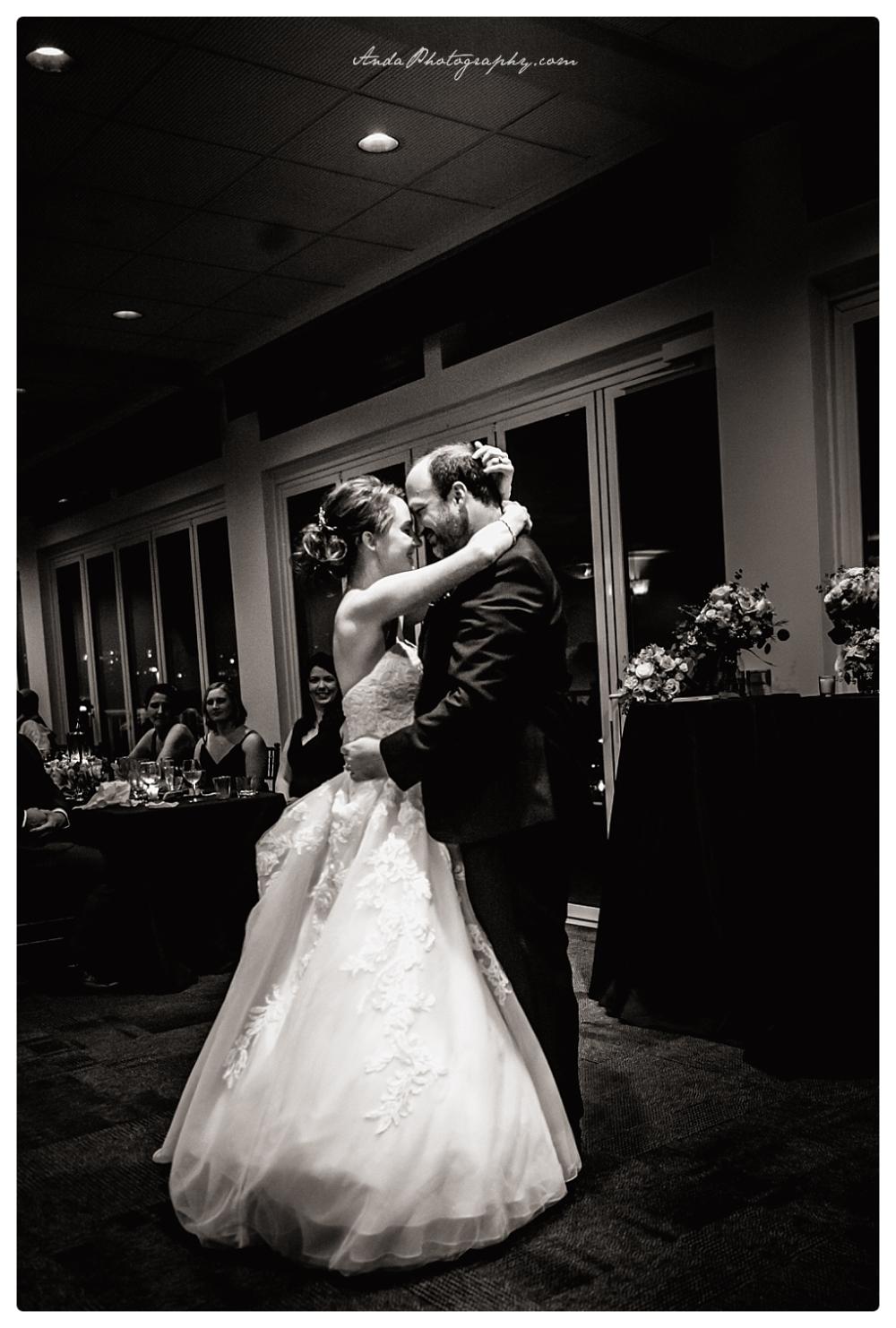 Anda Photography Bellingham wedding photographer Bellingham Yacht Club Wedding lifestyle wedding photographer Seattle Wedding Photographer_0064