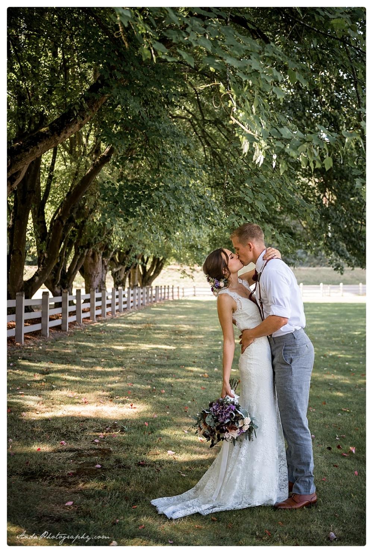 Anda Photography Bellingham wedding photographer Maplehurst Wedding lifestyle wedding photographer Seattle Wedding Photographer_0013c
