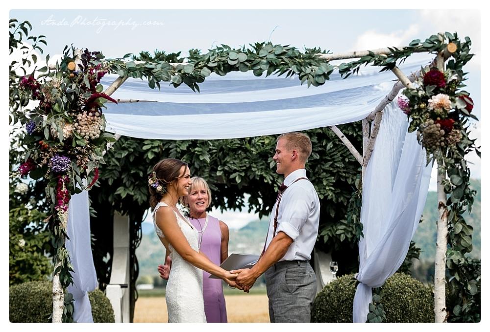 Anda Photography Bellingham wedding photographer Maplehurst Wedding lifestyle wedding photographer Seattle Wedding Photographer_0054
