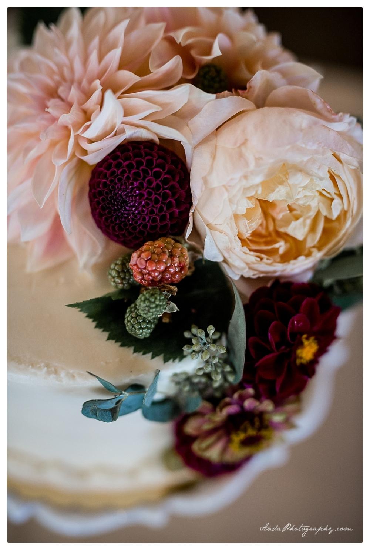 Anda Photography Bellingham wedding photographer Maplehurst Wedding lifestyle wedding photographer Seattle Wedding Photographer_0073