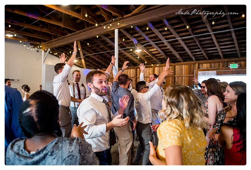 Anda Photography Bellingham wedding photographer Maplehurst Wedding lifestyle wedding photographer Seattle Wedding Photographer_0083